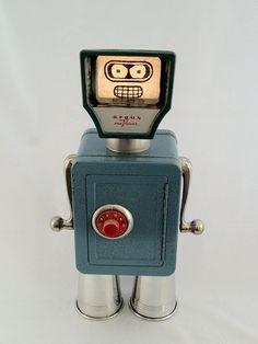 Gus (as Bender) - www.retrobots.us