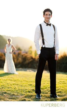I like the focus on the person in the foreground; great close up for the groom too.