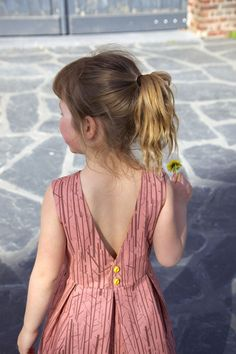 Judith dress: a free pattern for girls (1 – 10yo)!