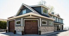 Exterior Wood Siding Rustic Decor New Ideas Exterior Siding Colors, Exterior House Siding, Best Exterior Paint, Engineered Wood Siding, Brick House Colors, Brown Roofs, Rustic Colors, Rustic Decor, Green Shutters