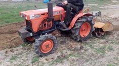 Traktorek japoński Kubota B7001 z glebogryzarką TOMAR wynajem sprzedaż