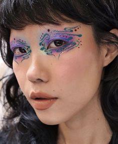 Edgy Makeup, Eye Makeup Art, Cute Makeup, Makeup Goals, Pretty Makeup, Makeup Inspo, Makeup Inspiration, Makeup Ideas, Graphic Makeup