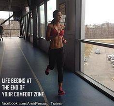La vita comincia alla fine della tua zona di comfort! Se non fai qualcosa di nuovo sarai sempre fermo nello stesso posto! Prendi una strada nuova, parla con uno sconosciuto, vai a mangiare in un nuovo posto, ma soprattutto: esci dalla tua zona di comfort!#fitmotivation#bodyandmind#fitness#wellness#youcandoit