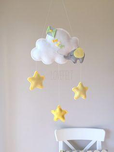 READY TO SHIP  Cloud Baby Mobile  Baby mobile por lovefeltmobiles
