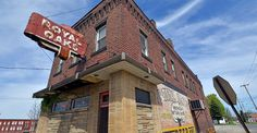 One of our featured dive bars- Royal Oaks in Youngstown, Ohio!