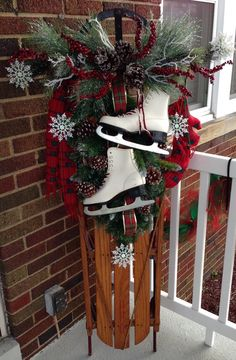 Scarf, mittens and skates! Scarf, mittens and skates! You are in the right place about farmhouse decor diy furniture Here we offer you the most beautiful pictures about th Christmas Sled, Christmas Planters, Primitive Christmas, Outdoor Christmas Decorations, Christmas Projects, Winter Christmas, Christmas Wreaths, Winter Porch, Christmas Scarf