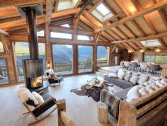 Les Houches, Holiday chalet with 5 bedrooms for 12 people. - Les Houches, Holiday chalet with 5 bedrooms for 12 people. Book the … – Alpenmassiv, - Chalet Chic, Chalet Style, Ski Chalet, Alpine Chalet, Chalet Design, House Design, Bar Design, Plan Chalet, Chalet Interior