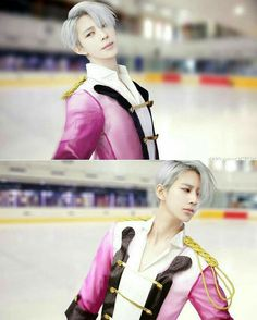 Yuri on Ice cosplay Victor