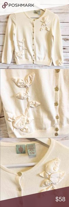 "ANTHROPOLOGIE Beautiful Cream Cardigan ANTHROPOLOGIE Beautiful Cream Cardigan Label: HWR (aka MONOGRAM) Beautifully elegant cardigan  Gold flower embroidered buttons  Satin Rose popup embroidery   Very elegant and feminine Cardigan Great over a little black dress or with slacks for work  Fabric content is 87% cotton and 13% nylon Medium (runs small) - I'm listing as a small 21"" long 17"" bust  thank you for looking and please check out the rest of my closet. @boruka Anthropologie Sweaters…"