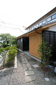 豊かな自然を満喫できるデッキテラスのある家 #homify #ホーミファイ #木造建築 #建築 #住まい https://www.homify.jp/ideabooks/369050 今回ご紹介するのは安曇野の山麓に60代の夫婦のために建てられた住宅。北アルプスとのどかな田園風景を背景に、木のぬくもり溢…