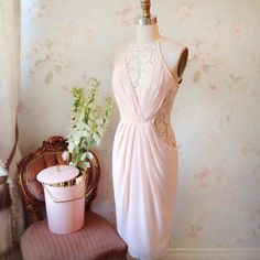 Adelmie www.1861.ca #boutique1861 #summerdress #pink #lace #vintageinspired #cute #lookbook #montreal #fashion Flowers from @elektrafloraldesigns