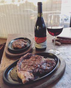 """ Buenas Tardes ... #tbone #ribeye #vino #trayecto2 #provecho #steakhouse #mexicali #terrazaCarniceria"""