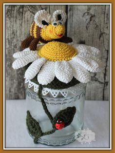 Pinned onto UntitledBoard in Category Crochet Bee, Crochet For Kids, Irish Crochet, Crochet Toys, Crochet Jar Covers, Crochet Football, Crochet Christmas Decorations, Crochet Kitchen, Diy Bottle