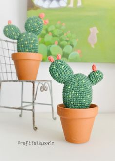 Crochet Flowers Cactus Amigurumi free Crochet pattern - Do you want to have some beautiful cactus which never needs watering and never dies? You can crochet some with Desert Cactus Amigurumi Crochet Patterns. Crochet Diy, Cactus En Crochet, Crochet Kawaii, Crochet Puff Flower, Crochet Gratis, Crochet Amigurumi Free Patterns, Crochet Flower Patterns, Crochet Home, Crochet Flowers