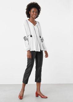 Blusa bordados decorativos   MANGO
