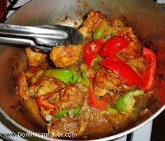 Made this for dinner yummy ! Meat Recipes, Chicken Recipes, Cooking Recipes, Rice Recipes, Dominican Food, Dominican Recipes, My Favorite Food, Favorite Recipes, Pollo Recipe