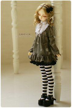 Sad little Doll Face. Ooak Dolls, Blythe Dolls, Kawaii Doll, Anime Dolls, Creepy Dolls, Little Doll, Doll Repaint, Custom Dolls, Ball Jointed Dolls