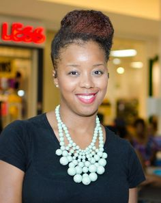 Nia B. shows off her hot hair at the Chicago Natural Hair Mall Tour.