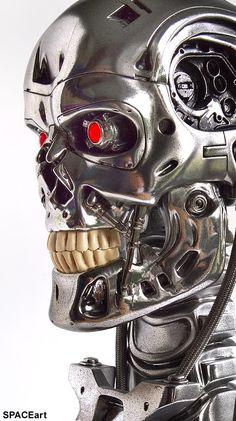 Terminator: T-800 Endoskelett Büste, Büste ... https://spaceart.de/produkte/te014.php