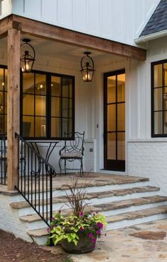 37 Best Farmhouse Front Door Ideas And Designs For Modern Farmhouse - Exterior Concept Images VICTORIA . Design Exterior, Exterior House Colors, Patio Design, Exterior Siding, Black Windows Exterior, Black Trim Exterior House, Exterior Remodel, Front Porch Design, Wood Siding