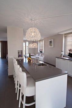 Inrichting en ontwerp keuken en woonkamer