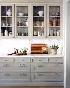 The kitchen that is top-notch white kitchen , modern kitchen , kitchen design ideas! Classic Kitchen, New Kitchen, Kitchen Dining, Kitchen Decor, Kitchen Ideas, 10x10 Kitchen, Awesome Kitchen, Kitchen Designs, Kitchen Modern