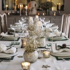 Christmas Table In Lavish Colors - www.nicespace.me