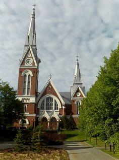 Joensuun kirkko kuvattuna 9.6.2010 ('S&J').