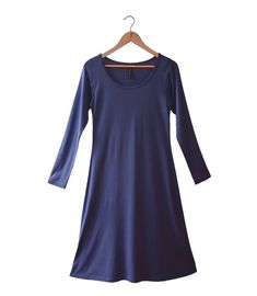 A classic garment with versatility of wear. Light and luxurious yet still incredibly warm. Perfect for travel. Breathable, naturally odour resistant, dries quickly. Long Tunic Dress, Dress Up, Silk Sleepwear, Travel Style, Travel Fashion, Short Sleeve Dresses, Long Sleeve, Simple Dresses, Wool Blend
