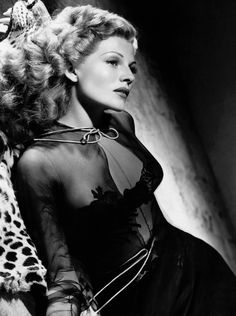 """summers-in-hollywood: """"Rita Hayworth, 1942 """" Hollywood Stars, Hollywood Icons, Golden Age Of Hollywood, Hollywood Actresses, Actors & Actresses, 1940s Actresses, Vintage Hollywood, Old Hollywood Glamour, Classic Hollywood"""