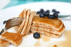 Soft, fluffy, kid-friendly pancakes with no all-purpose flour. whole wheat and delicious! Tostadas, Whole Grain Pancakes, Freeze Pancakes, My Recipes, Favorite Recipes, Cafe Food, Breakfast Recipes, Waffles, Yummy Food