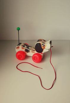 All Vintage. One of my favorite toys! I want some vintage toys for baby Catto. Educational Electronic Toys - Electronic Toys for Kids - Pare. 90s Childhood, My Childhood Memories, Sweet Memories, Jouets Fisher Price, Fisher Price Toys, Retro Toys, Vintage Toys, Fisher Price Vintage, Love Vintage
