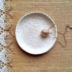 Small ceramic plate for jewelry     #ceramicplate #lacepottery #homedecor #ceramicdesign #artdesign #giftidea #white #hochzeitgeschenk #giftforher #jewellerydish #jewelrybowl #ceramicart #weddinggift #weddingdecor #love #bohostyl #ringbowl #homestyling #inspire #дляукрашений #свадебнаятарелка #подарок #ceralonata