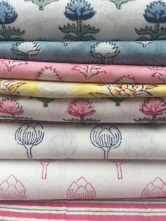 New to The Charpoy's table linen collection, which is exclusively hand block printed in Jaipur. We have lovely napkins, place mats and table cloths to dress your table with. You can mix and match to complete the look. #blockprints #blockprintedtablelinen #botanical #flowers #handmade #purecotton #thecharpoy #tablescape Cotton Napkins, Botanical Flowers, Place Mats, Hand Spinning, Table Linens, Jaipur, Hand Stitching, Cloths, Printed