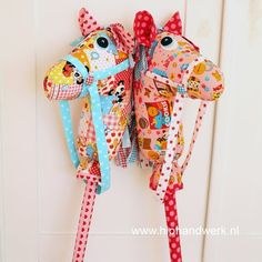 It's been forever since I've done anything REALLY crafty, but.. if I could make a pillow in Home Ec. I think I can pull off a Hobby Horse for Miss Audrey for Christmas...  this way, she can actually gallop around ON something =) <3