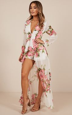 Steal The Show Playsuit In White Floral Floral Prom Dresses, Wrap Dress Floral, Cheap Dresses, Casual Dresses, Summer Dresses, Formal Dresses, Romper Outfit, Maxi Romper, Dress Outfits