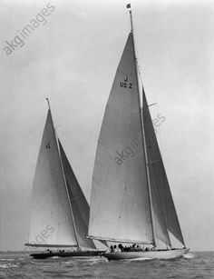"""Zwei J Class, """"Yankee"""" und """"Endeavour"""" in einem Rennen des Southend Yachting… J Class Yacht, Yacht Week, Classic Sailing, Classic Yachts, Sailboat Living, Boat Fashion, Cross Art, Out To Sea, Super Yachts"""