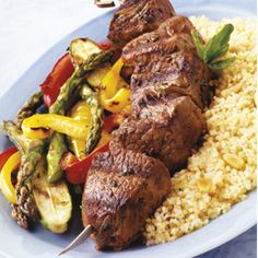 Herbed Lamb Kabobs with Toasted Couscous and Vegetables Weber Grill Recipes, Grilling Recipes, Meat Recipes, Real Food Recipes, Cooking Recipes, What's Cooking, Barbacoa, Tostadas, Popular Greek Food