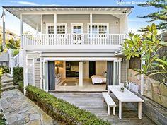 Desire Empire: Stunning Hamptons Style Beach House in Collaroy Beach Cottage Style, Beach Cottage Decor, Beach Cottage Exterior, Beach House Exteriors, Style At Home, Exterior House Colors, Exterior Design, Weatherboard House, Queenslander