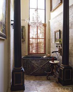 Bath in Gwynn Griffith's Converted San Antonio Factory