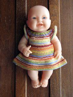 Doll dress - free pattern Ravelry