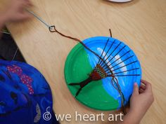 we heart art: Paper Plate Tree Weavings