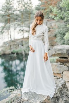 Modest wedding dress with long sleeve lace bodice от CathyTelle Boho Wedding Dress With Sleeves, How To Dress For A Wedding, Western Wedding Dresses, Long Sleeve Wedding, Modest Wedding Dresses, Bridal Dresses, Wedding Gowns, Fall Dresses, Fall Wedding