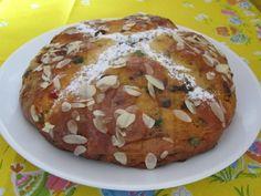 Schön feuchter Kuchen nicht nur für die Osterfeiertage sondern auch für jede Angelegenheit zum Feiern.