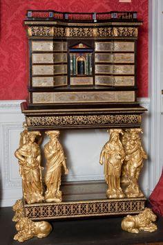 Cabinet de la duchesse de Fontanges by Pierre Gole
