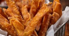 A sütőben sült édeskrumpli is lehet ropogós – Egy hozzávaló a titka - Receptek   Sóbors Onion Rings, Sweet Potato, Cake Recipes, Side Dishes, Bacon, Recipies, Veggies, Potatoes, Breakfast