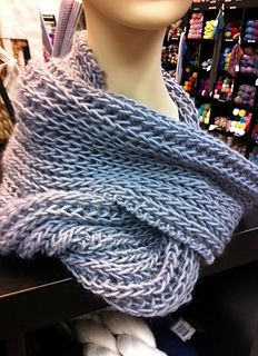 Stretchy infinity scarf pattern