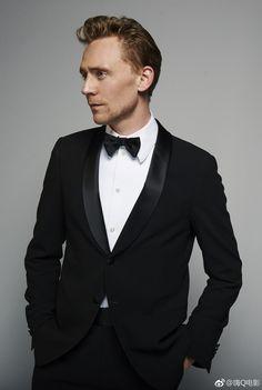 Tom Hiddleston. Photographed by Charlie Gray. Via Torrilla.