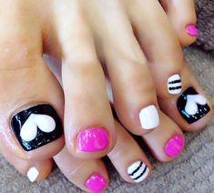 Simple toenail art design picture 4