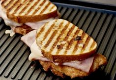 A Chicken Cordon Bleu Panini Recipe That You Simply Need To Make(Pressed Sandwich Recipes) Tapas, Panini Recipes, Sammy, Good Food, Yummy Food, Grilled Sandwich, Wrap Sandwiches, Panini Sandwiches, Chicken Cordon Bleu